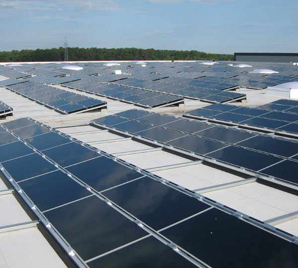 SEGRO's UK installations generate 650,000kWh of electricity each year. Image: SEGRO.