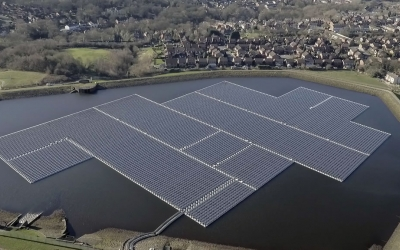 UK solar's first steps on the water